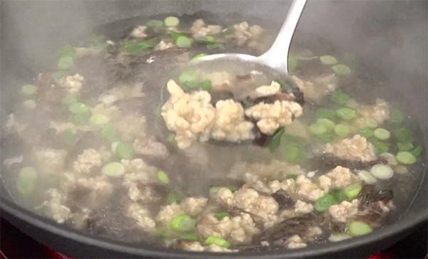 Cách nấu canh rong biển thịt bằm