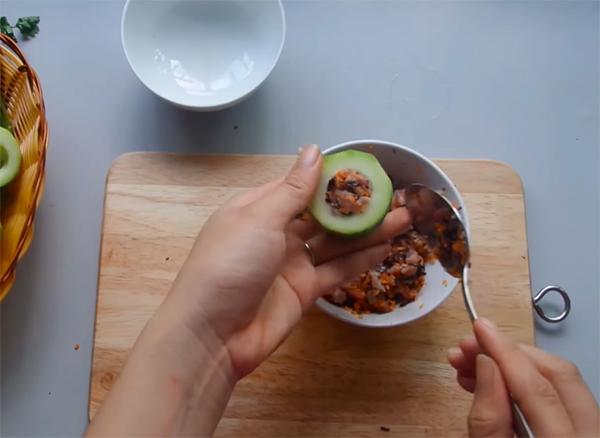 Cách nấu canh bí đao nhồi thịt