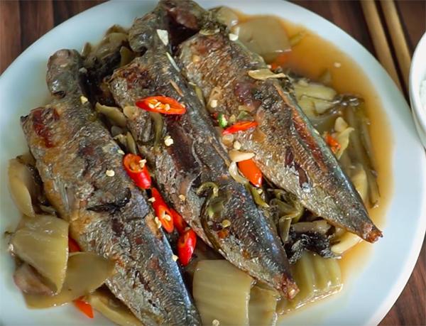 Cách làm cá nục kho dưa cải