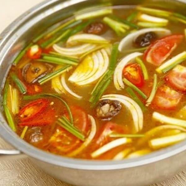 nấu nước dùng lẩu hải sản thái