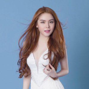 ca sĩ Saka Trương Tuyền