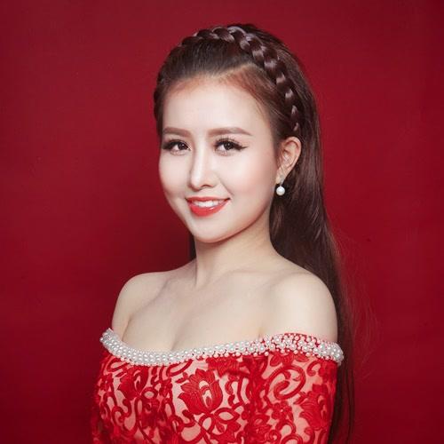 thông tin tiểu sử ca sĩ Ý Linh