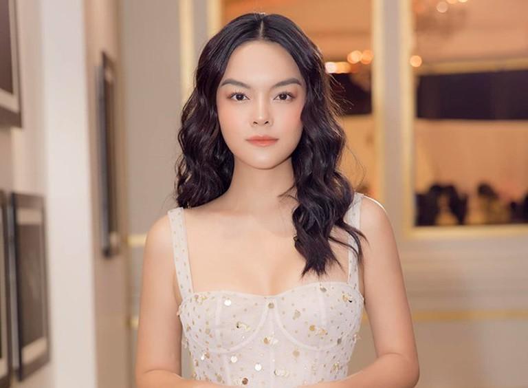 tiểu sử ca sĩ Phạm Quỳnh Anh