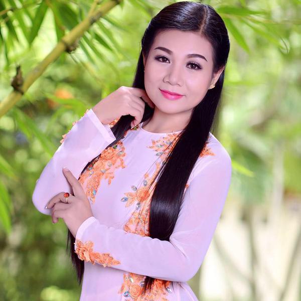 con đường sự nghiệp ca sĩ Dương Hồng Loan