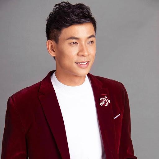 Con đường sự nghiệp của ca sĩ Huỳnh Thật