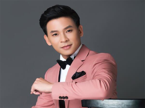 Tiểu sử cuộc đời ca sĩ Huỳnh Thật