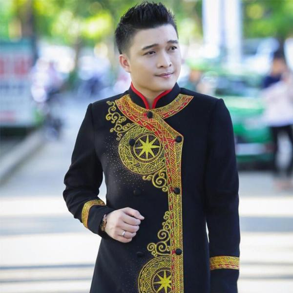 con đường sự nghiệp Đồng Thanh Tâm