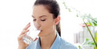 Tại sao bạn cần uống nước đúng cách?